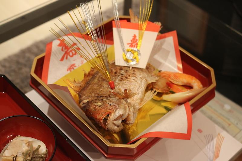 料亭秀のお食い初め膳(鯛)